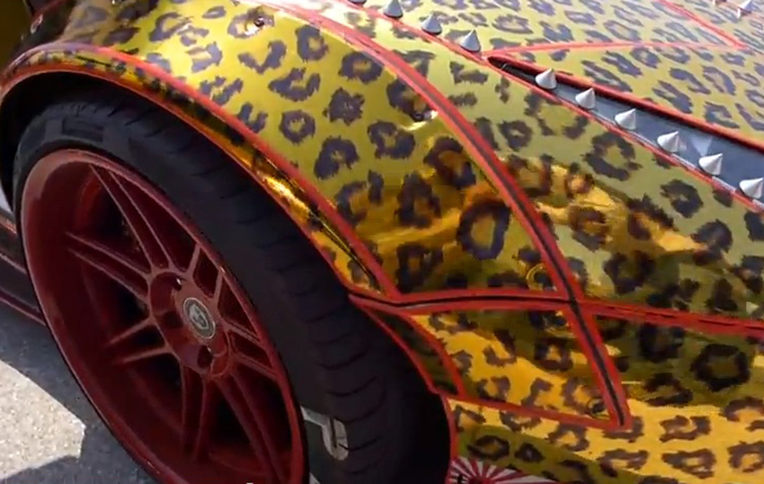 Bosozoku-Lamborghini-Japan-Tuning-Leopard-Nieten-Ofenrohr-Polizei-01