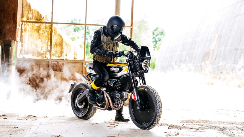 Pirelli Ducati SC-Rumbler Scrambler Wheels and Waves Motorrad 01