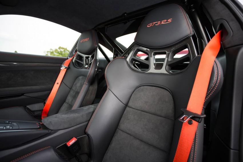 Porsche-911-GT3-RS-(112)