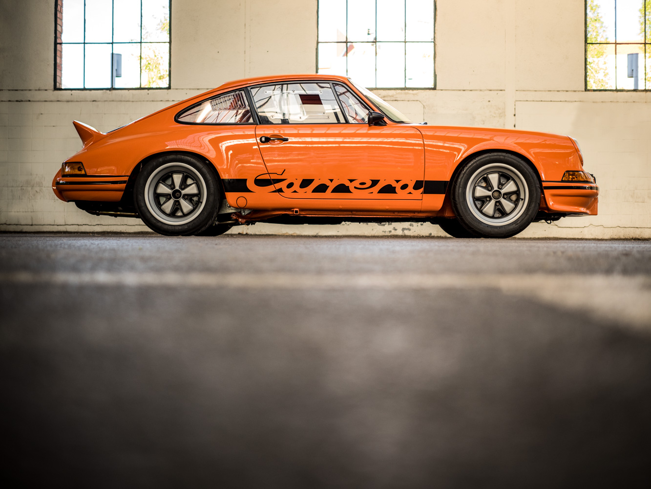 Porsche_911T-11-of-66