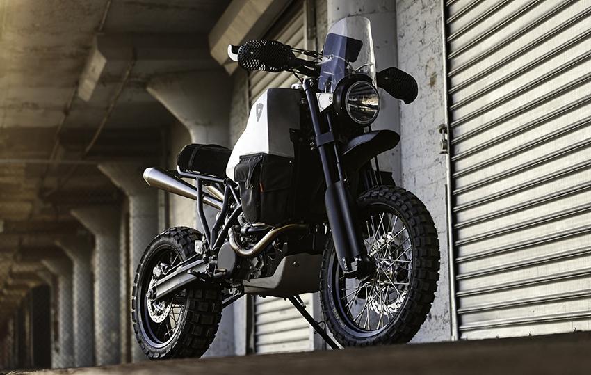 _Revit-95-Allradmotorrad-KTM-950-Super-Enduro-AWD-Allrad-01