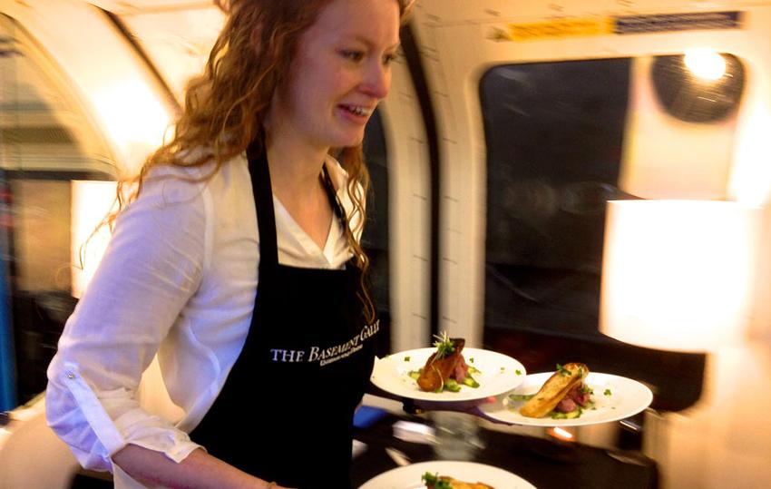 _Underground-Supper-Club-Essen-Dinner-in-der-Ubahn-04