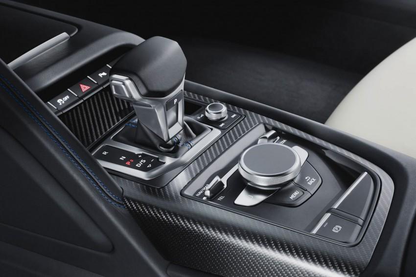 Audi-R8-V10-plus-1