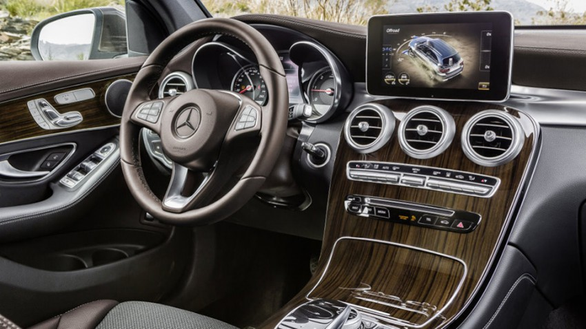 Mercedes-Benz GLC 250d 4MATIC, CITRINBRAUN MAGNO, Artico/Stoff Espresso, Interieur
