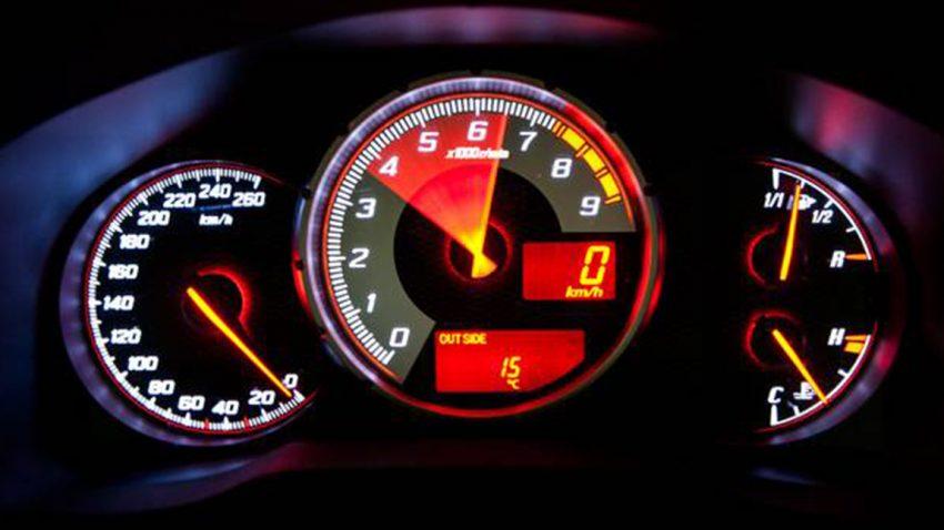 Wie man mit Drehmoment, Drehzahl und Leistung Motoren vergleicht