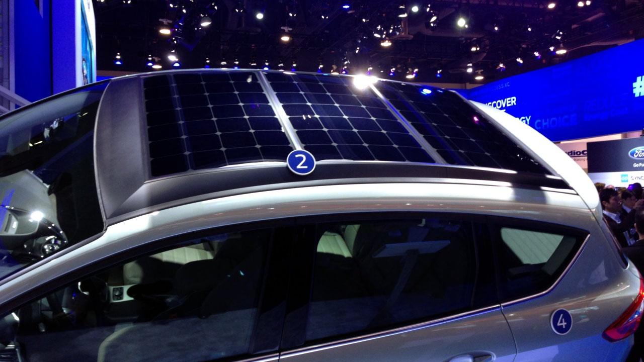 Ford C-Max Plug-In-Hybrid mit Solardach
