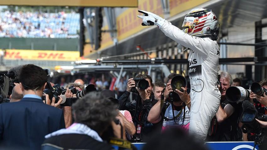 Silverstone: Hamilton sicherte Mercedes 20. Pole en suite