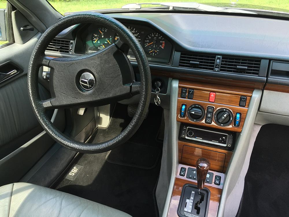 Mercedes W124 C230 4