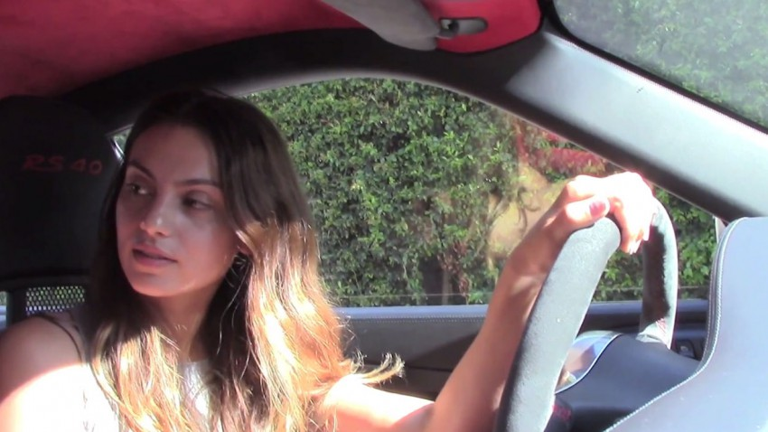 TEACHING A WOMAN HOW TO DRIVE A MANUAL ON A GT3 RS 4.0 (3)