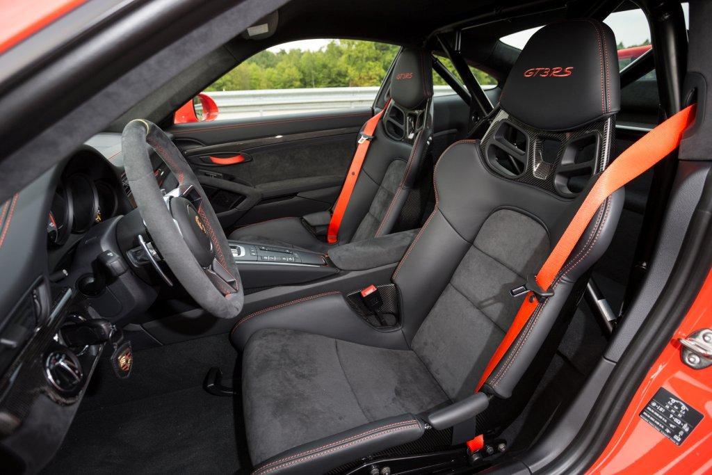 Porsche 911 GT3 RS 1 991