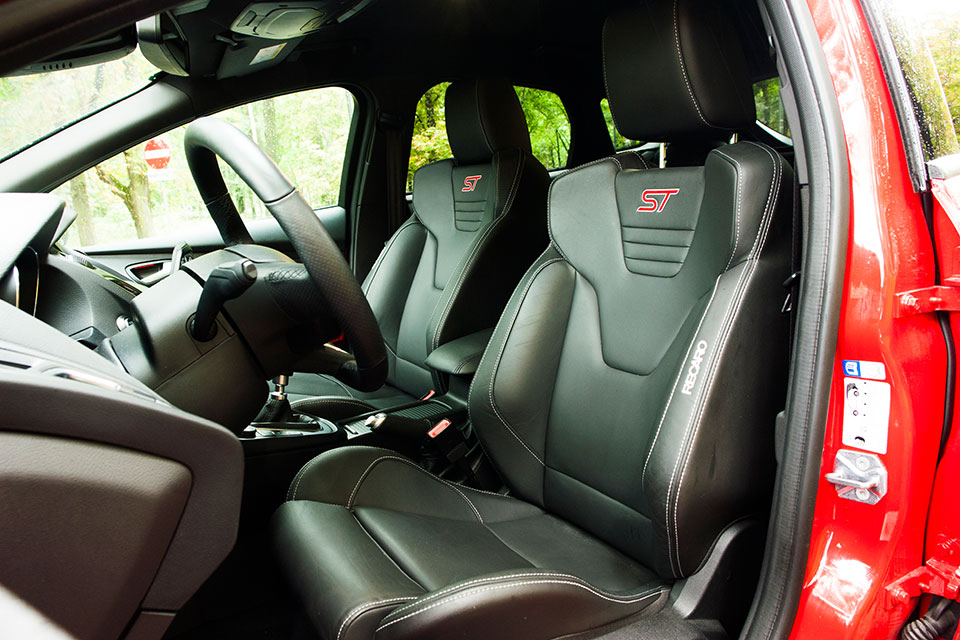 Ratgeber-09-richtige-sitzposition-im-auto