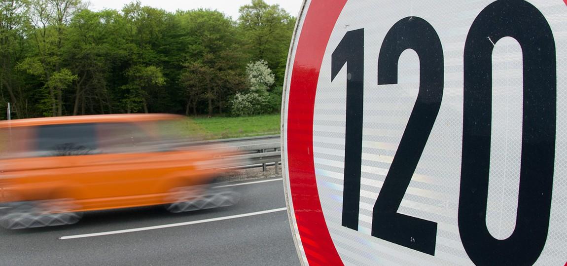 Wer erlässt eigentlich Geschwindigkeitsbeschränkungen?