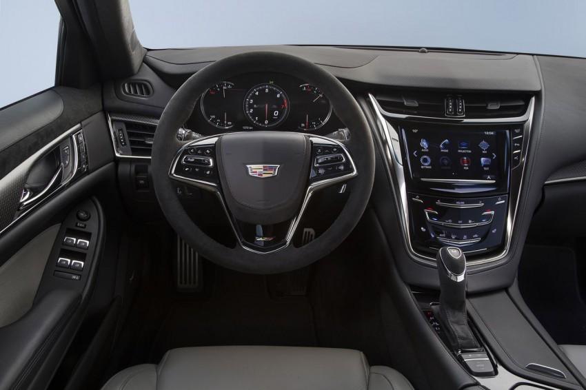 Cadillac-CTS-V-2015-10