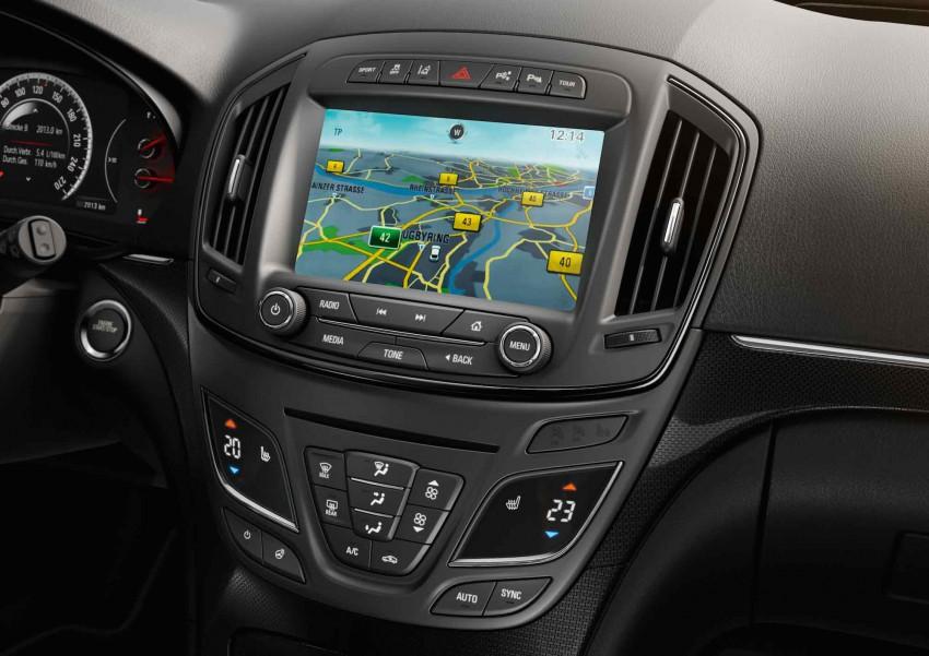 Opel Insignia Sport 2015  (4)