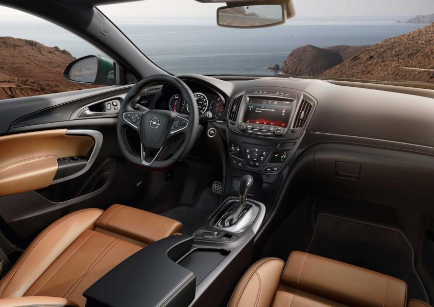 Opel Insignia Sport 2015  (5)