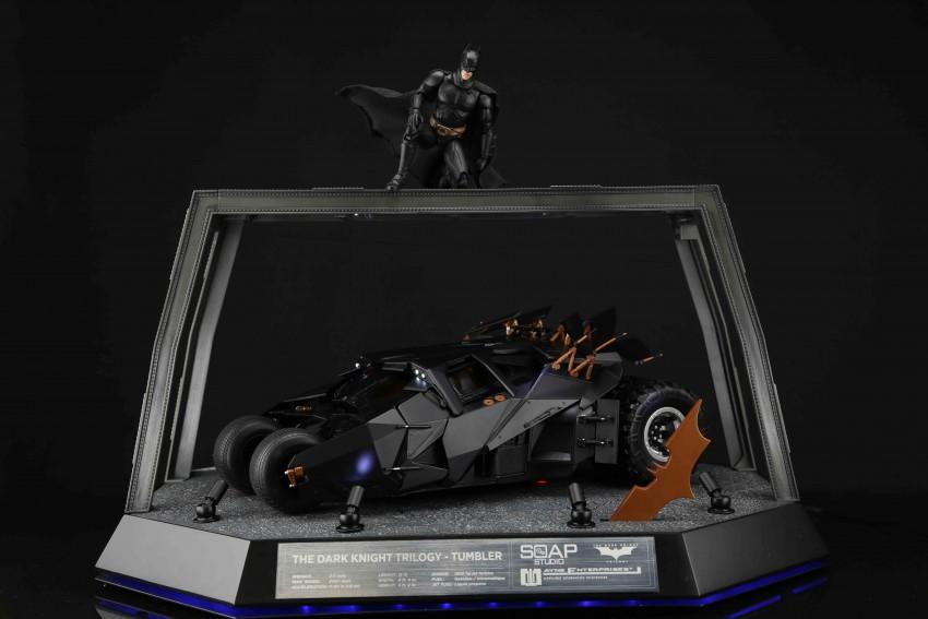The-Dark-Knight-Trilogy-112-RC
