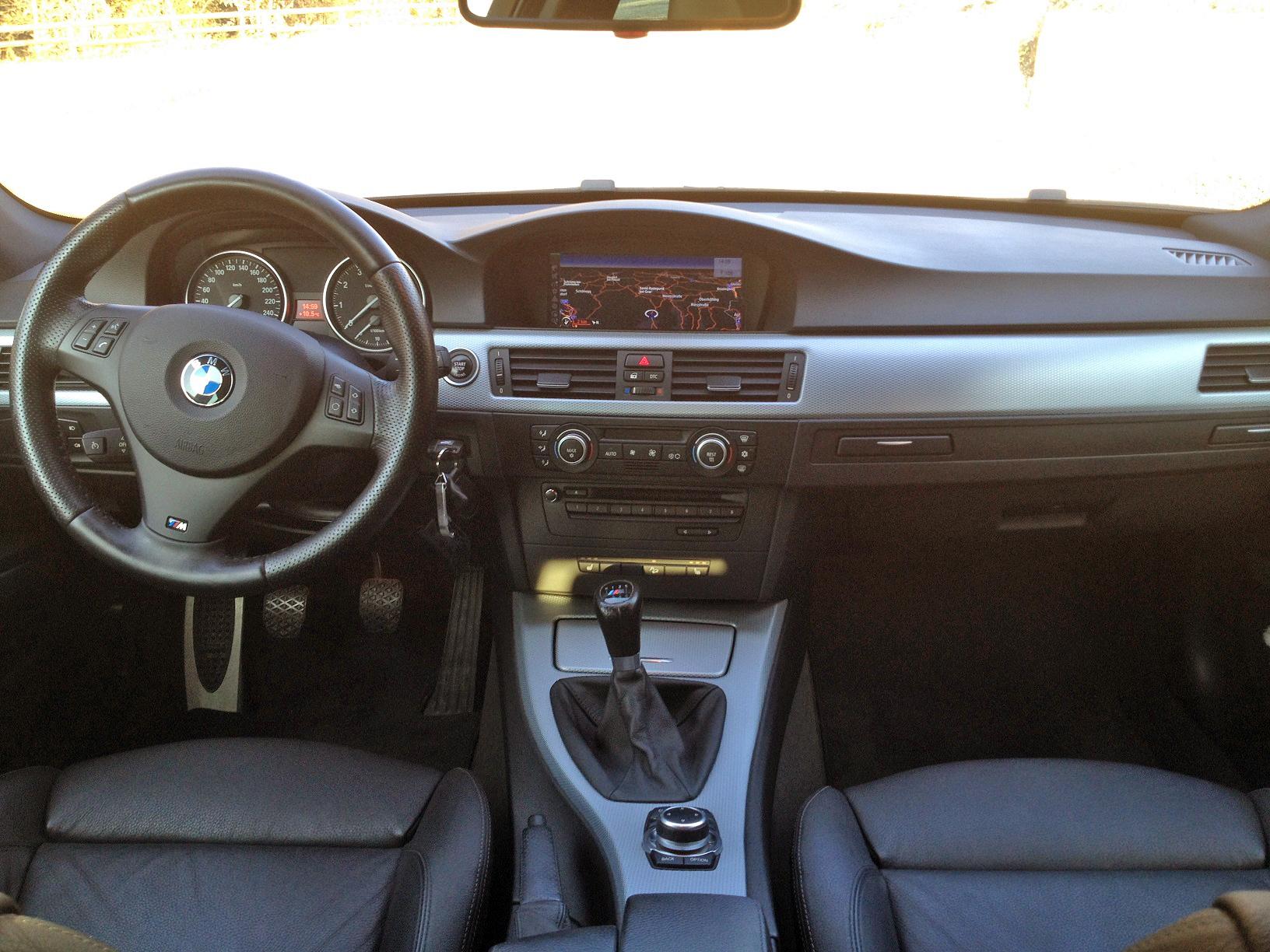 BMW-330i-xDrive-Touring-E91-2008-3