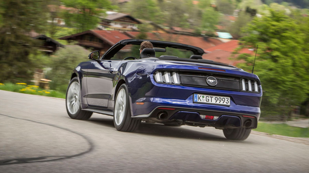 fahrbericht ford mustang cabrio 2015. Black Bedroom Furniture Sets. Home Design Ideas