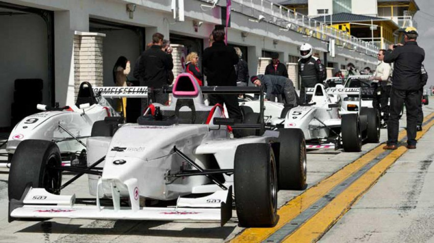 Formel-BMW-Action-Package-(2)