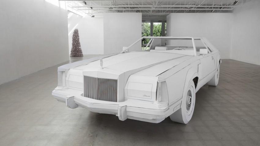 Pappkamerad: Lincoln Continental Mark V aus Karton