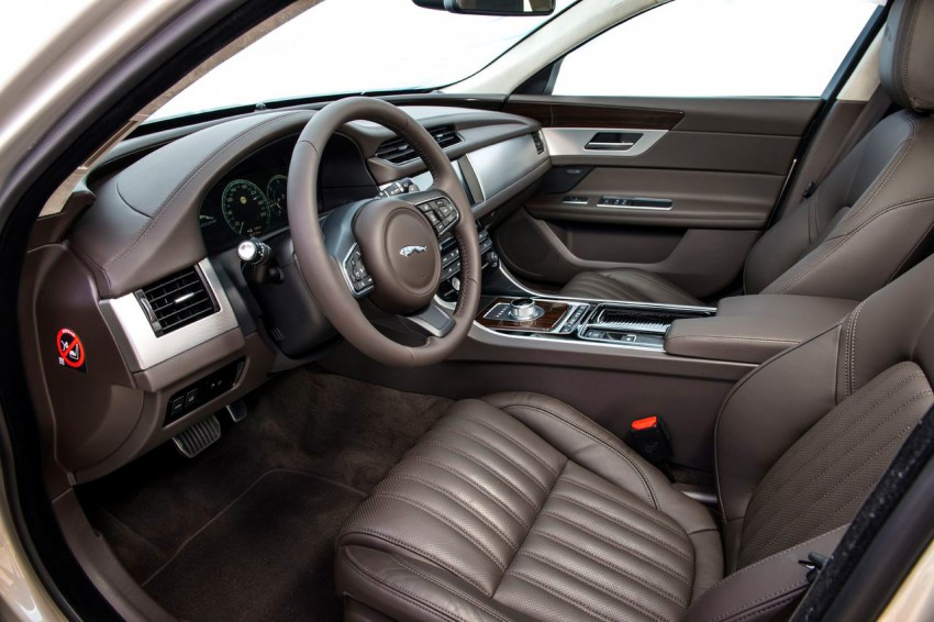 Jaguar XF 3.0d (9)