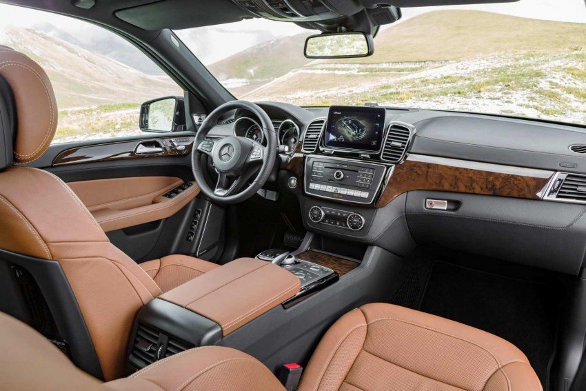 Mercedes-GLS-2016-(18)