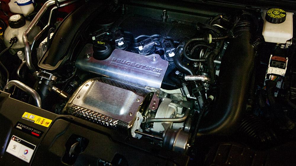 Peugeot-308-GTi-27