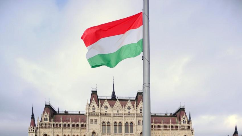 Autofahren in Ungarn: Das ist zu beachten