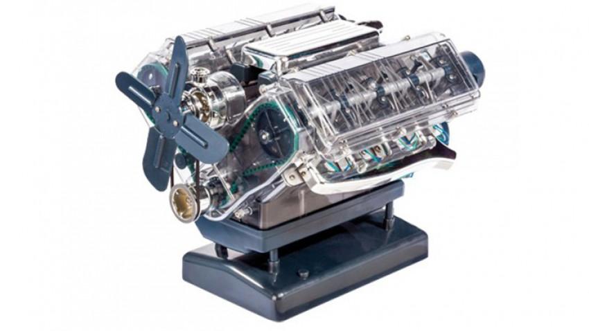 V8 Motor Bausatz, 250 Bauteile später