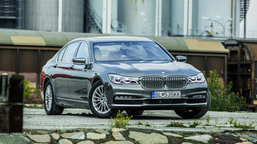 BMW 750 li xdrive 2016 vorne seite scheinwerfer kühlergrill felgen