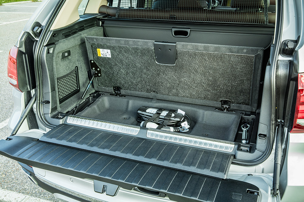 bmw x5 edrive 2015 kofferraum batterie ladekabel