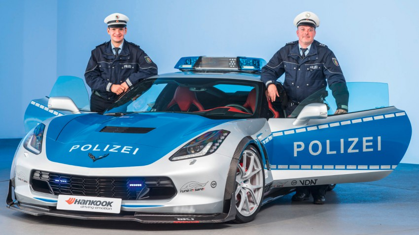 Super-nette Polizei-Corvette