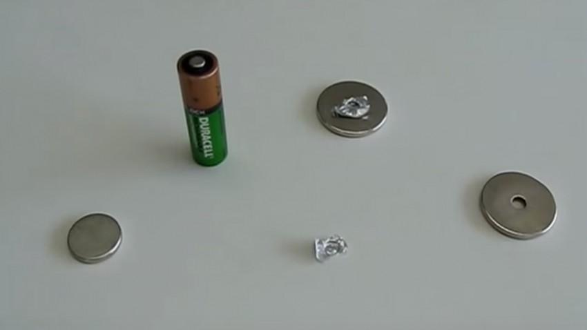 Für einen Elektroantrieb braucht man Millionen Euro oder eine AA Batterie