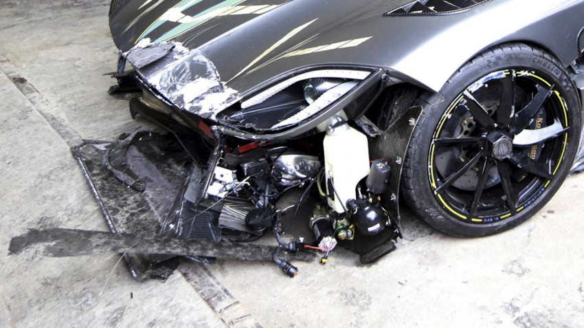 Koenigsegg-Agera-R-China-Crash-3