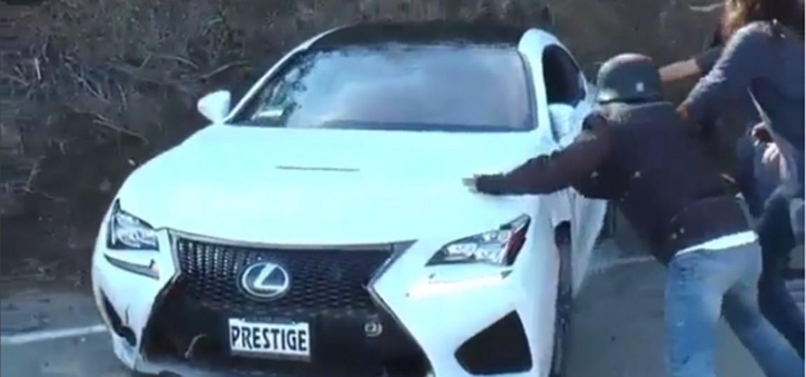 Kurioser Doppel-Crash mit Papas neuem Lexus