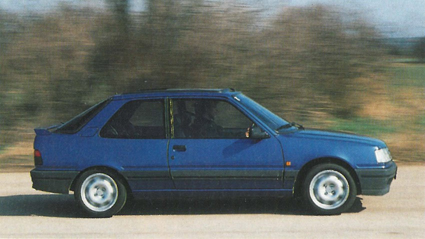 peugeot 309 gti 16V 1992 miami blau seite dynamisch