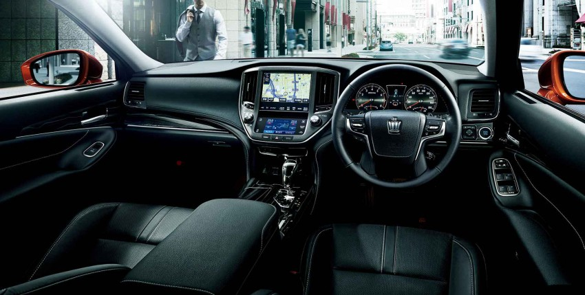 Toyota-Crown-2016-(10)