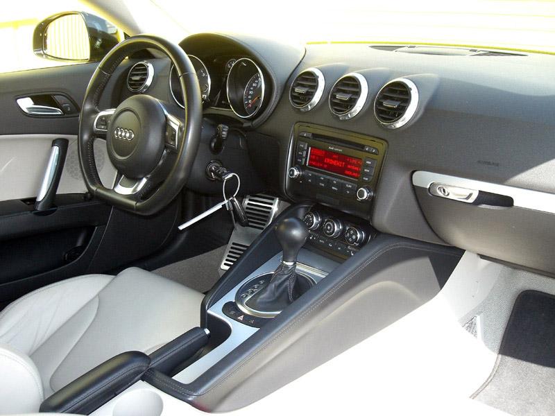 Audi-TT-Coupé-3.2-V6-S-tronic-quattro-2006-8