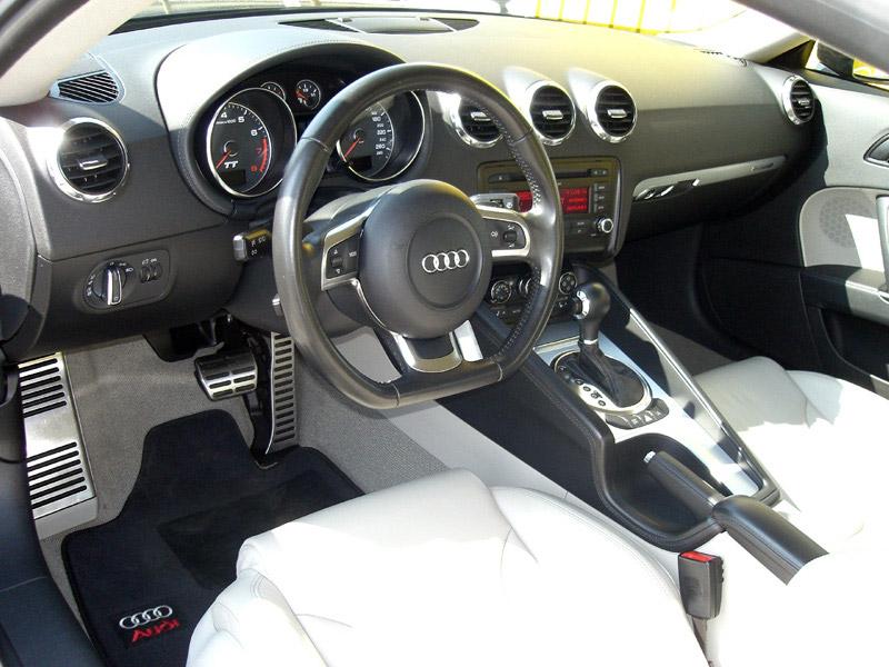 Audi-TT-Coupé-3.2-V6-S-tronic-quattro-2006-9