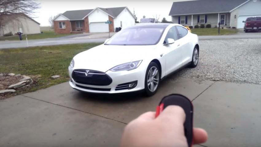 Teslas Model S parkt jetzt selbständig ein und aus