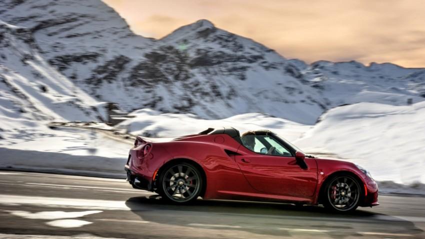 Alfa Romeo 4C Spider trifft auf Schweizer Alpenpass