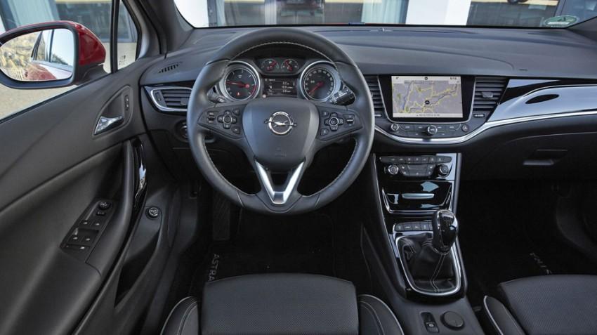 Opel-Astra-Sports-Tourer-2016 (18)