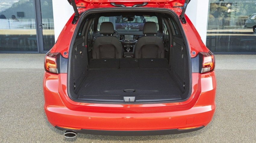 Opel-Astra-Sports-Tourer-2016 (5)