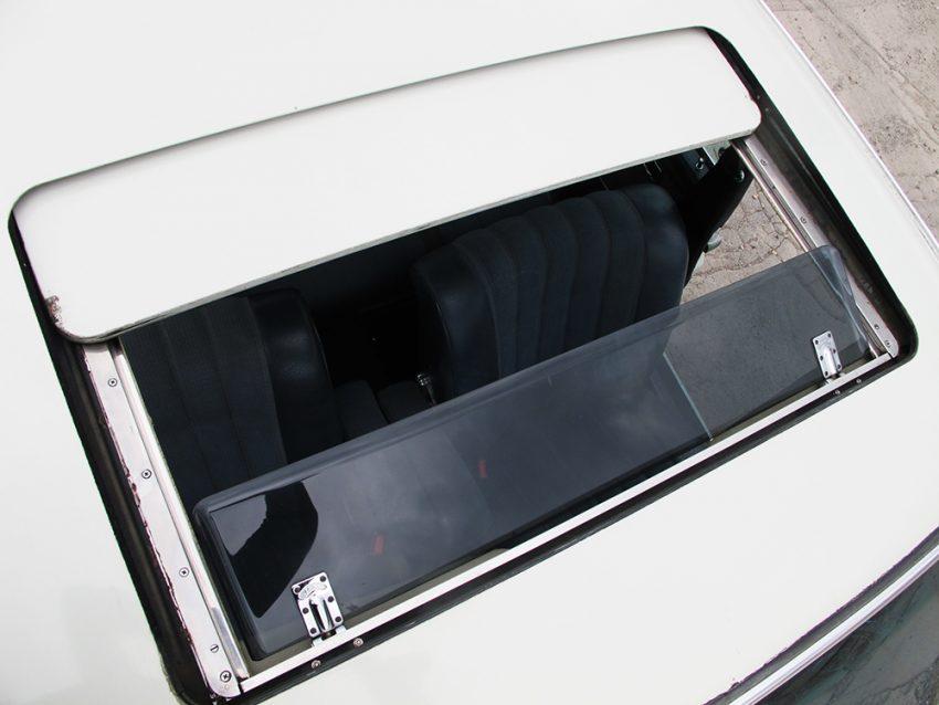 Mercedes 280 SE 3.5 11