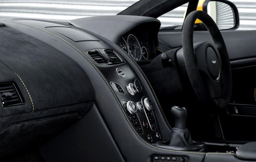 Aston-Martin-V12-Vantage-S-handschaltung
