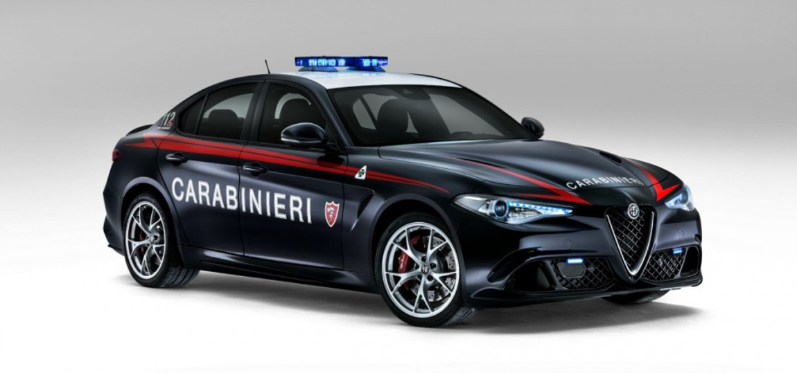 alfa romeo giulia carabinieri polizeiauto mit stil. Black Bedroom Furniture Sets. Home Design Ideas