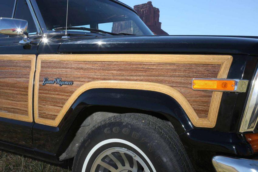 Jeep-Grand-Wagoneer-1991 (14)