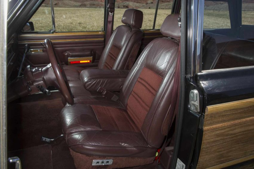Jeep-Grand-Wagoneer-1991 (2)