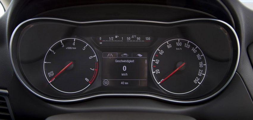 Opel-Zafira-2016 (13)