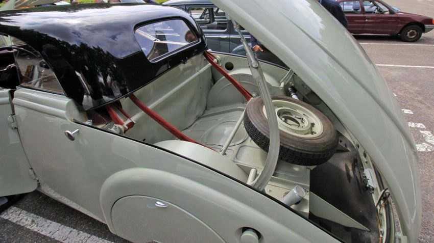 Peugeot-402-Eclipse (9)